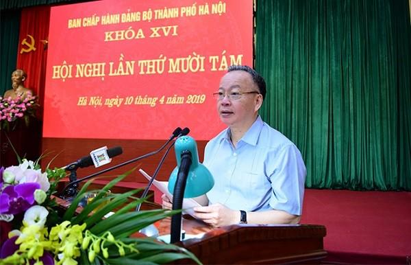Phó Chủ tịch UBND TP Hà Nội Nguyễn Văn Sửu báo cáo tại hội nghị