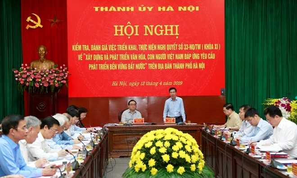 Đồng chí Võ Văn Thưởng phát biểu tại buổi làm việc với Thành ủy Hà Nội