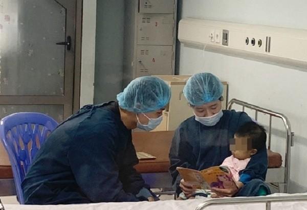 Hiện sức khỏe cháu bé đã tiến triển tốt, tăng được 500gr so với khi phẫu thuật