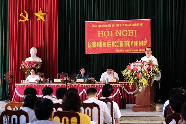 Bí thư Thành ủy Hoàng Trung Hải phát biểu tiếp thu và trao đổi với cử tri huyện Ba Vì