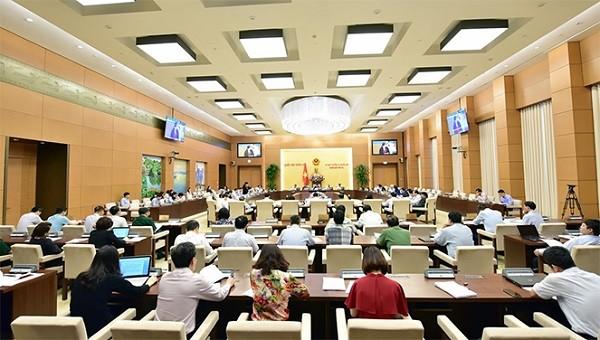 Ủy ban Thường vụ Quốc hội họp cho ý kiến vào báo cáo tổng hợp ý kiến, kiến nghị cử tri