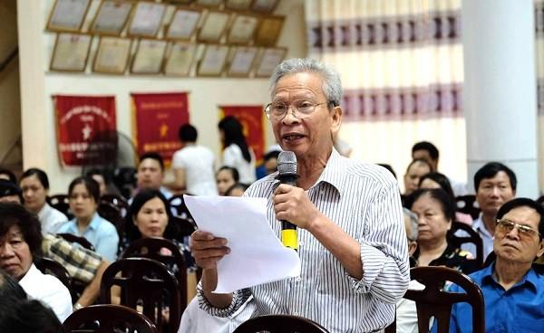 Cử tri phường Sơn Lộc, thị xã Sơn Tây (Hà Nội) nêu ý kiến tại một buổi tiếp xúc cử tri của đoàn ĐBQH TP Hà Nội