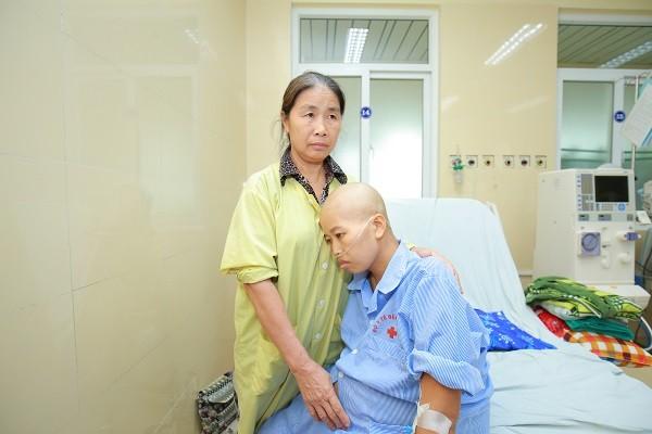 Khi thai kỳ ở tuần 22, Liên phải nhập viện điều trị 2 đợt hóa chất
