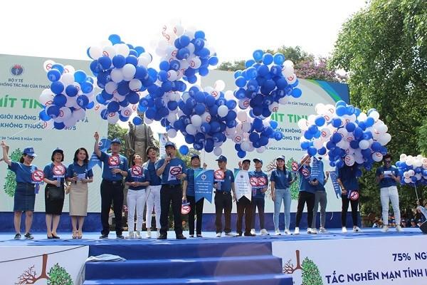 Lễ mít tinh hưởng ứng Ngày thế giới không thuốc lá diễn ra tại Hà Nội