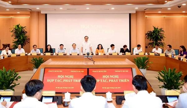 Bí thư Thành ủy Hoàng Trung Hải phát biểu tại hội nghị