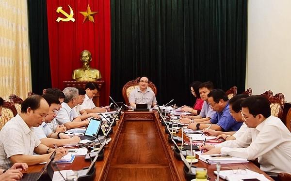 Bí thư Thành ủy Hoàng Trung Hải chủ trì phiên họp