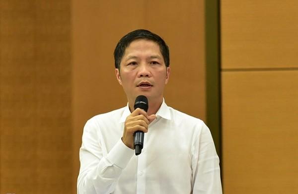 Bộ trưởng Bộ Công Thương Trần Tuấn Anh trả lời chất vấn trước UBTVQH