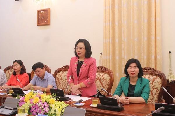 Đồng chí Ngô Thị Thanh Hằng phát biểu tại buổi gặp mặt