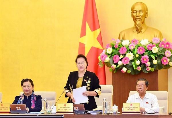 Chủ tịch Quốc hội Nguyễn Thị Kim Ngân điều hành phiên họp