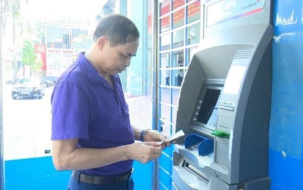 Hà Nội yêu cầu đẩy nhanh việc triển khai chi trả BHXH qua tài khoản cá nhân