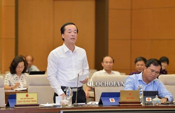 Bộ trưởng Bộ Xây dựng Phạm Hồng Hà tại phiên họp Ủy ban Thường vụ Quốc hội