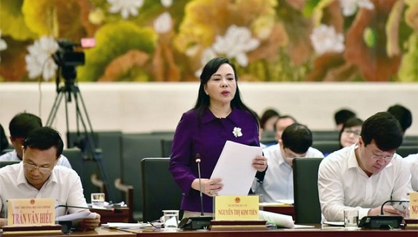 Bộ trưởng Bộ Y tế Nguyễn Thị Kim Tiến làm rõ một số nội dung tại phiên giải trình
