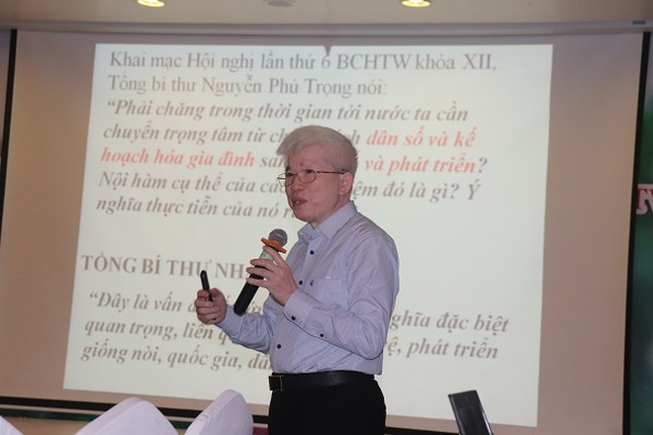 GS.TS Nguyễn Đình Cử phân tích về công tác dân số và phát triển, sáng 10-9