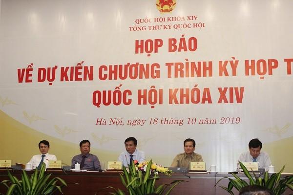 Tổng Thư ký Quốc hội Nguyễn Hạnh Phúc chủ trì buổi họp báo