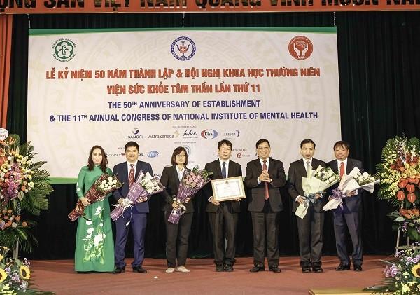 Viện Sức khỏe Tâm thần đón nhận Bằng khen của Bộ Y tế nhân kỷ niệm 50 năm thành lập