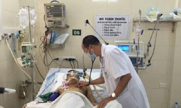 Điều trị bệnh nhân SXH nặng tại Bệnh viện Bạch Mai