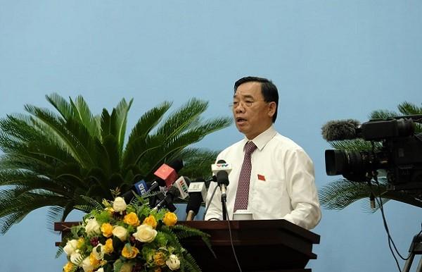 Giám đốc Sở Y tế Hà Nội Nguyễn Khắc Hiền giải trình tại phiên họp