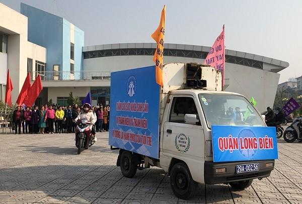 Diễu hành hưởng ứng Tháng hành động quốc gia về dân số