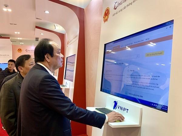 Bộ trưởng Mai Tiến Dũng kêu gọi người dân sử dụng Cổng dịch vụ công trực tuyến