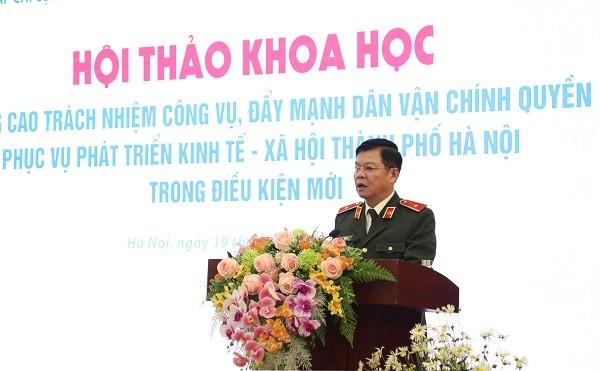 Thiếu tướng Đào Thanh Hải, Phó Giám đốc CATP Hà Nội tham luận tại hội thảo