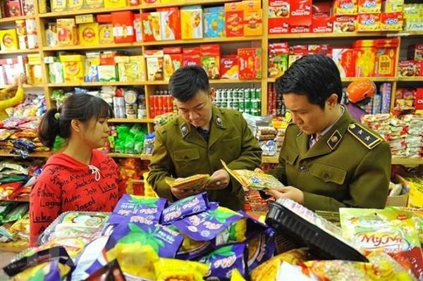 Thủ tướng yêu cầu tăng cường kiểm soát giá cả thị trường dịp cuối năm