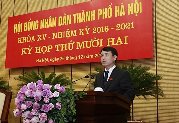 Giám đốc Sở TN-MT Hà Nội Nguyễn Trọng Đông trình bày Tờ trình về Bảng giá đất