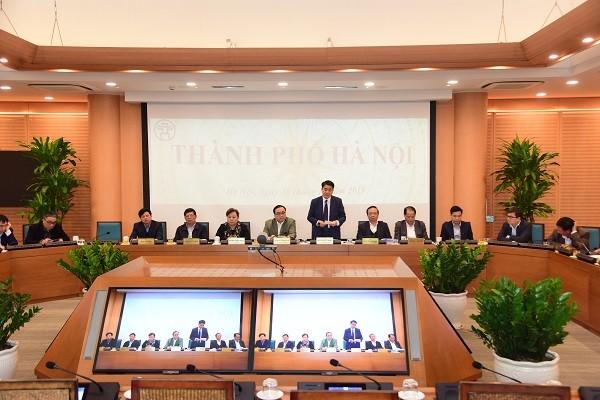 Chủ tịch UBND TP Nguyễn Đức Chung phát biểu tham luận từ đầu cầu Hà Nội