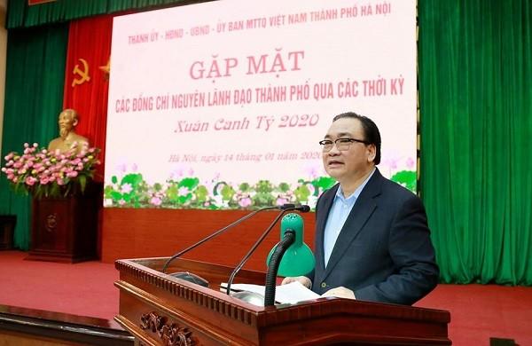 Bí thư Thành ủy Hoàng Trung Hải phát biểu tại buổi gặp mặt