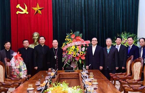 Bí thư Thành ủy Hoàng Trung Hải tiếp đoàn Tổng giáo phận Hà Nội