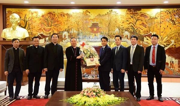 Chủ tịch UBND TP Hà Nội Nguyễn Đức Chung tiếp đoàn Tổng Giáo phận Hà Nội