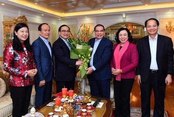 Lãnh đạo thành phố Hà Nội thăm, chúc tết nguyên Tổng Bí thư Nông Đức Mạnh