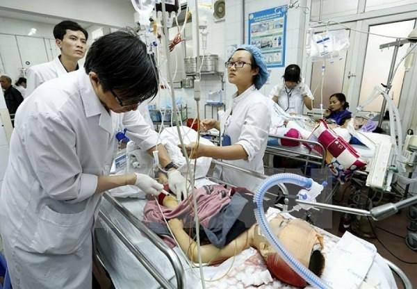 Cấp cứu bệnh nhân trong ngày Tết tại Bệnh viện Việt Đức