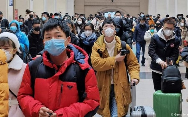 Triệu chứng của bệnh do virus corona không chỉ có sốt nên đo thân nhiệt cũng không không phát hiện được hết