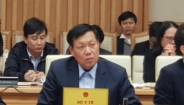 Thứ trưởng Bộ Y tế Đỗ Xuân Tuyên thông tin tại cuộc họp Chính phủ chiều 30-1