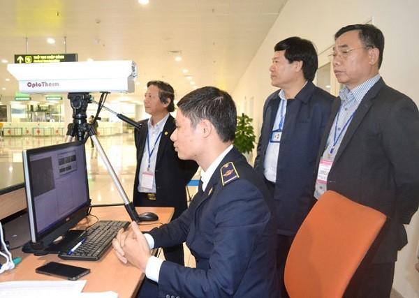 Lãnh đạo Sở Y tế Hà Nội kiểm tra công tác phòng chống Corona ở sân bay Nội Bài