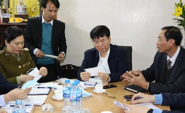 """Các cơ sở sản xuất khẩu trang y tế """"kêu"""" sắp hết nguyên liệu, đề xuất được tăng giá bán"""