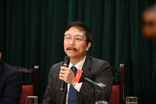 Ông Đỗ Văn Đông thông tin tại buổi họp báo