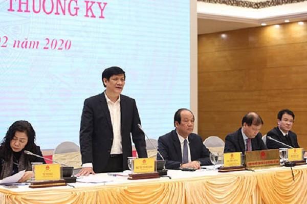 Thứ trưởng Bộ Y tế Nguyễn Thanh Long thông tin tại buổi họp báo Chính phủ