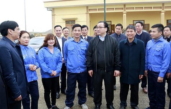 Bí thư Thành ủy Hoàng Trung Hải kiểm tra tại Trạm bơm Vĩnh Phúc (huyện Quốc Oai)