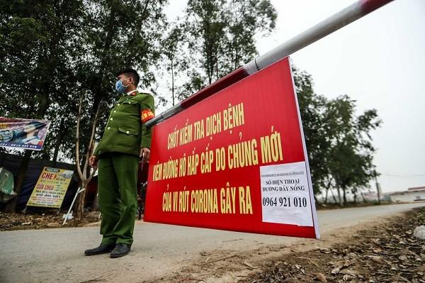 Lập chốt kiểm dịch toàn bộ người ra vào xã Sơn Lôi (huyện Bình Xuyên, Vĩnh Phúc)