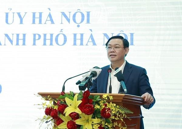 Bí thư Thành ủy Vương Đình Huệ phát biểu kết luận tại buổi làm việc