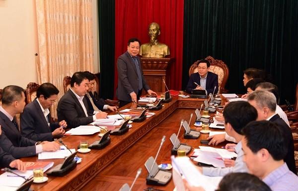 Trưởng Ban Tuyên giáo Thành ủy Nguyễn Văn Phong báo cáo tại buổi làm việc