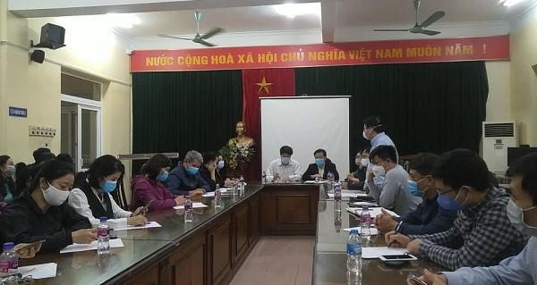 Giám đốc Trung tâm Kiểm soát bệnh tật Hà Nội họp với quận Cầu Giấy tối 11-3