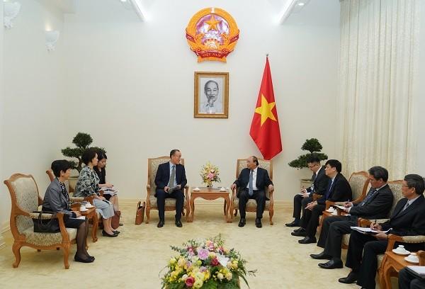 Thủ tướng Nguyễn Xuân Phúc tiếp Trưởng đại diện WHO tại Việt Nam