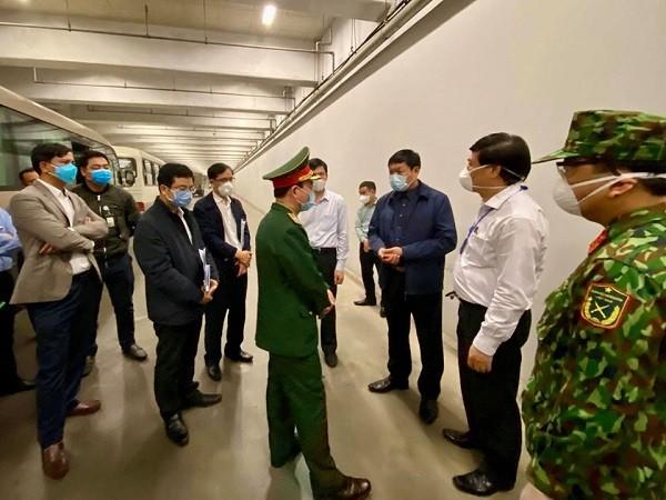 Đoàn kiểm tra của Ban Chỉ đạo Quốc gia kiểm tra công tác chống dịch Covid-19 tại sân bay Nội Bài