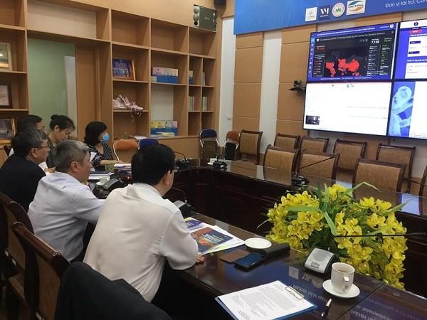 Các chuyên gia của Bộ Y tế hội chẩn trực tuyến ca bệnh nhiễm Covid-19 diễn biến nặng với BV Bệnh Nhiệt đới Trung ương