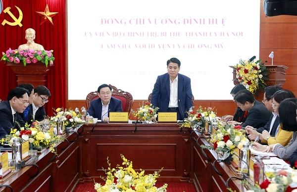 Chủ tịch UBND TP Hà Nội Nguyễn Đức Chung phát biểu tại cuộc họp sáng 19-3