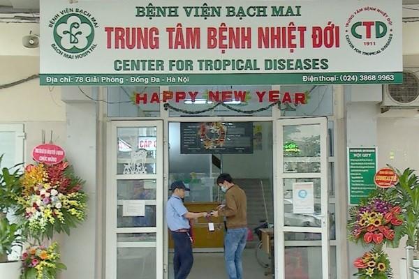 2 điều dưỡng Trung tâm Bệnh nhiệt đới - Bệnh viện Bạch Mai nhiễm Covid-19