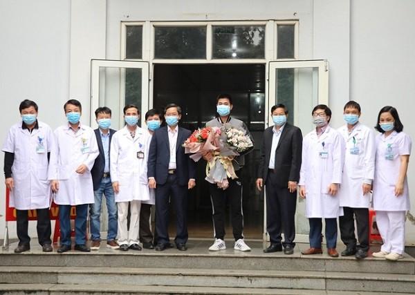 Bệnh nhân nhiễm Covid-19 số 18 được xuất viện sau 14 ngày điều trị tại BVĐK tỉnh Ninh Bình
