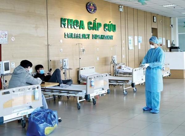 Một bác sĩ nam khoa Cấp cứu - Bệnh viện Bệnh Nhiệt đới trung ương đã bị lây Covid-19